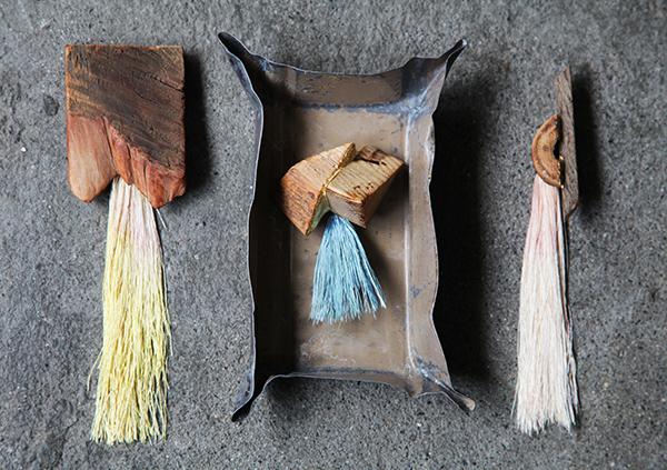 古材の木っ端を使ってブローチを作る会